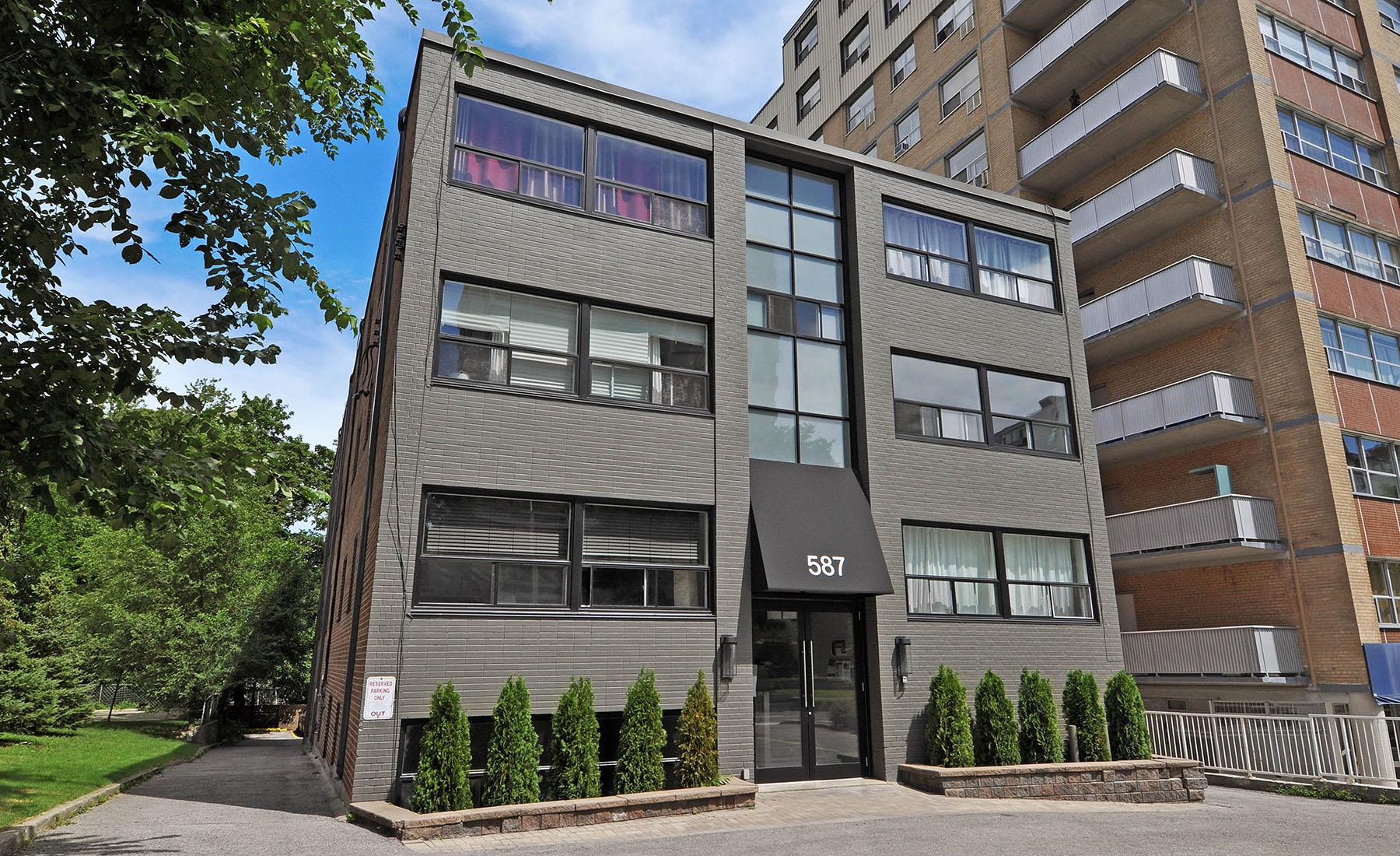 Fine 587 Avenue Hollyburn Properties Download Free Architecture Designs Sospemadebymaigaardcom