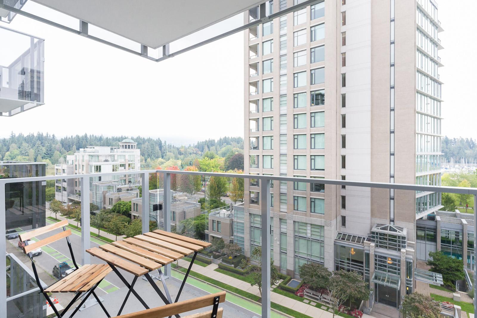 Hollyburn Harbourview 1Bedroom Furnished Rental balcony 604