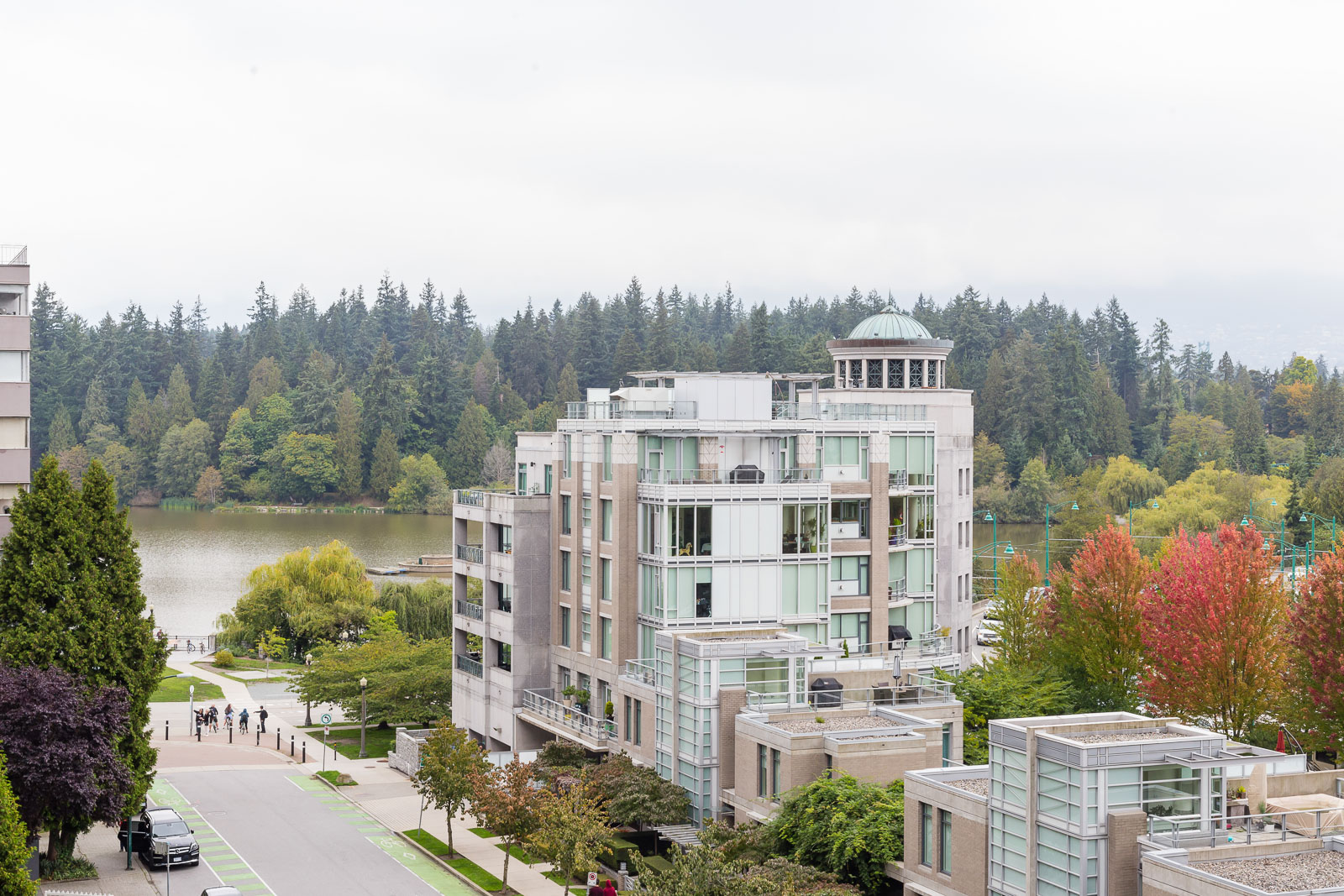 Hollyburn Harbourview 1Bedroom Furnished  view 4 604