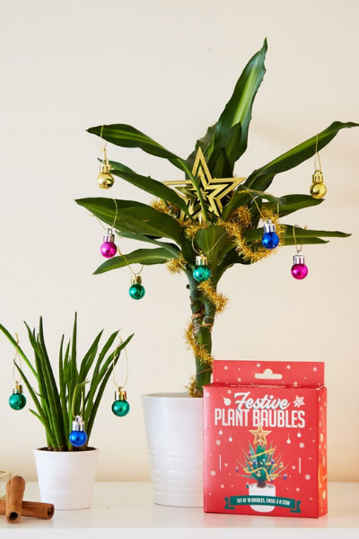 Apartment Christmas Tree DIY